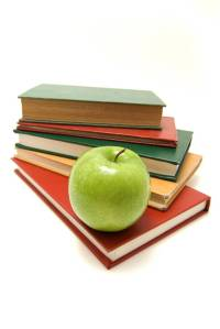stack-of-books-with-apple