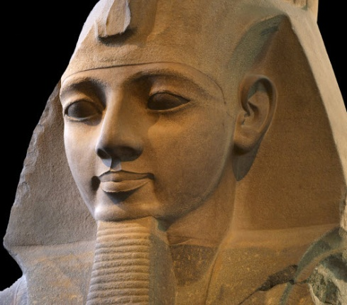 Statue of Ramses the Great (Image source BBC.UK)