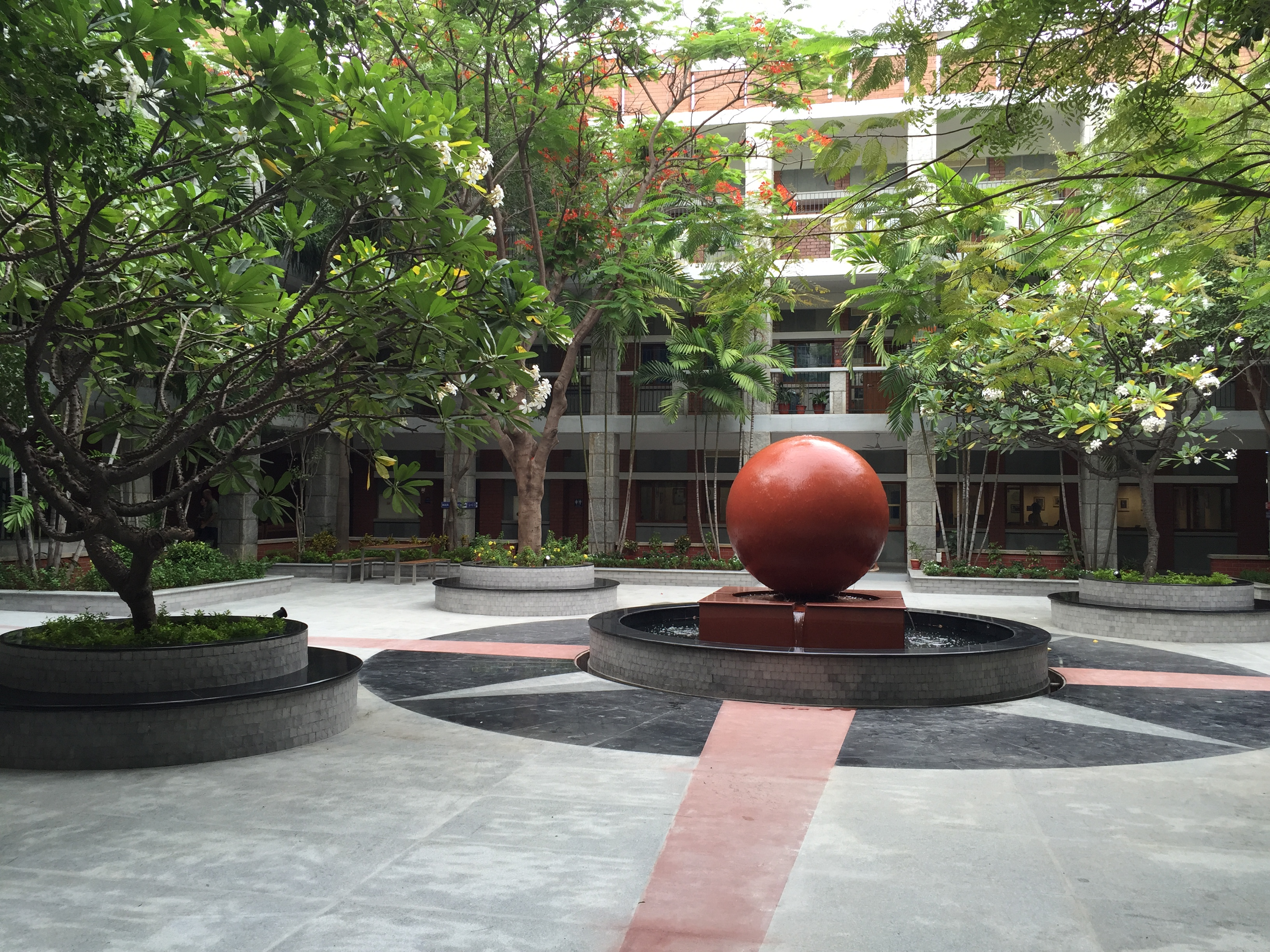 AISC courtyard (Photo by Rob Martin)